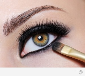 238966745 eye makeup tips 300x269 Choosing The Right Make up To Suit Your Eye Colour